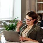 woman-using-macbook